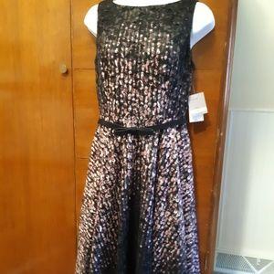 danny and nicole Black and Blush Lace Dress sz 4P